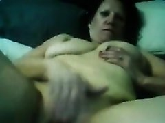 Webcam Woman Rubbing Her Wet Pussy