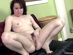 Annabelle Lee gets nude on her black couch