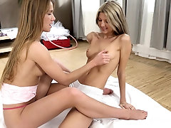 Fingering and pussy licking are the favorite sex sports for irresistible Gina H