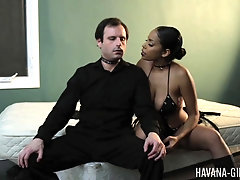 Buxom Latina slut Havana Ginger pegs her masked male slave