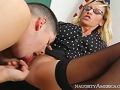 Jaw-dropping MILF Regan Anthony gives head to her student Alex Gonz