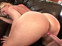 Big ass blonde nympho Devon Lee sucks and rides for a cumshot