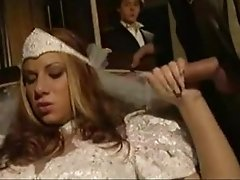 Cuckold Guy Watches His Super Hot Bride Getting Threesomed