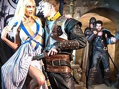 Queen Of Thrones: Part 1 (A XXX Parody)