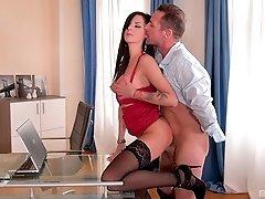 Brunette MILF secretary Summer rides her clients big dick