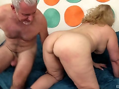 Amateur mature chubby blonde MILF Stunning Summer fucked missionary