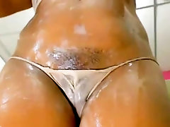 Sexy cameltoe pussy with fat lips