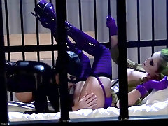Harley and Katwoman are having a 3some in the prison, in the middle of the night
