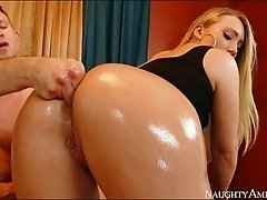 Damn hot blonde sexpot AJ Applegate lets Bill Bailey finger her butthole