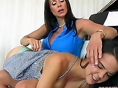 MILF Kendra punishes erotically Dillion