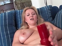 Perfectly plump milf