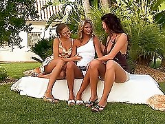 Horny Babes Do a Garden Threesome