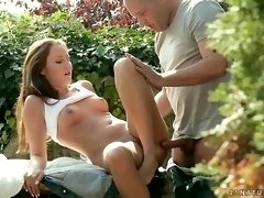 Cool Hook-Up In The Garden Of Blessing - PornGem