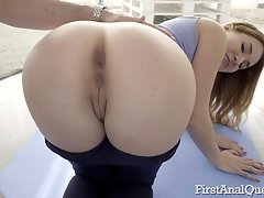 Tight ass of Ellen Betsy gaped wide after a hardcore fuck