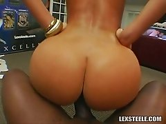 Big bottomed white whore Naomi rides BBC reverse on the floor