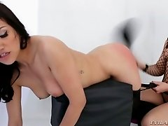Flexible Asian and Euro lesbians enjoy teasing each other's pussies