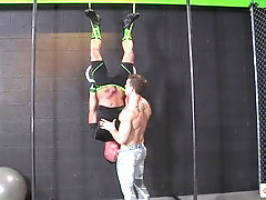 Backstage gay cock sucking session with sporty dudes after a workout