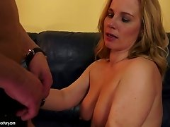 Dirty-minded plump blonde MILF with saggy big boobs gives nice blowjob